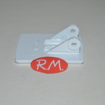 Tirador cierre puerta secadora Balay 039512