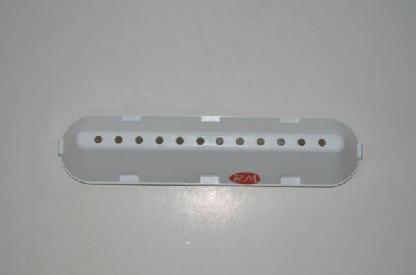 Medidas: Largo: 226 mm Ancho: 53 mm 12 agujeros Color blanco Código original: Indesit: C00064789  C00268109