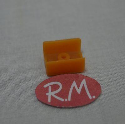 Pulsador color naranja frigorífico Ignis