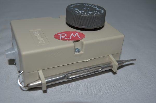 Termostato ambiente para frio comercial con caja