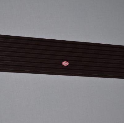Rejilla ventilación entre mármol y horno marrón 60x12cm