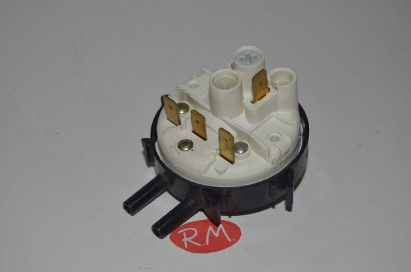 Presostato 1 nivel lavadora Balay con 2 tubos 067065