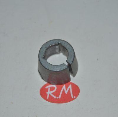 Casquillo fijación polea a eje tambor lavadora Ariston C00019967