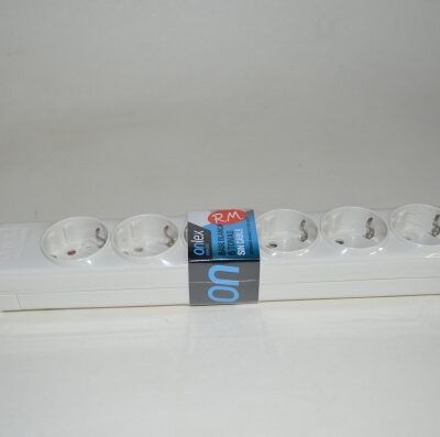 Base 6 tomas TTL blanca sin cable