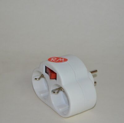 Base adaptador schuko doble con interruptor
