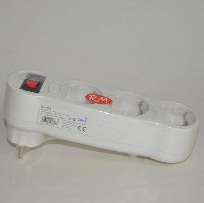 Base adaptador schuko triple con interruptor
