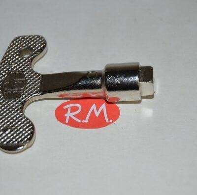 Llave armario puerta contador cuadrada M-8 mm