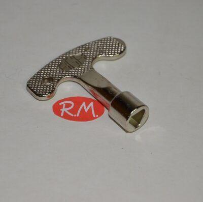 Llave armario puerta contador triangular H-8 mm