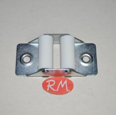 Guía cinta persiana rodillo plástico 66 x 30 mm
