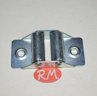 Guía cinta persiana rodillo metal 66 x 30 mm