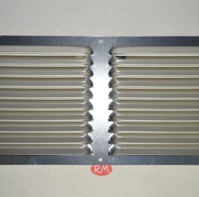 Rejilla plana aluminio 15 x 30 cm