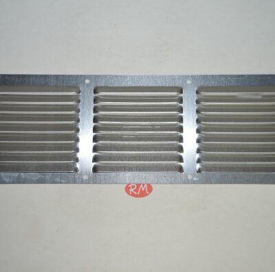 Rejilla plana aluminio 10 x 30 cm